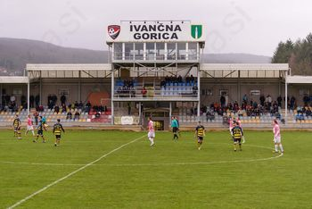 Nogometni lokalni derbi v Ivančni Gorici tokrat pripadel gostom