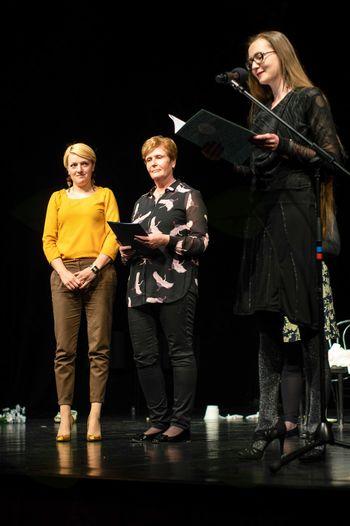 Anita Globokar - prejemnica priznanja za glavno žensko vlogo gledaliških skupin