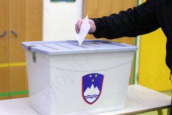 V ŽIVO: Odprla so se volišča za lokalne volitve