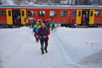 Na pohod z brezplačnim izrednim vlakom Prijetno domače