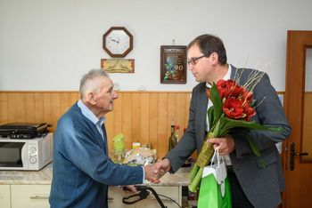 Župan pri devetdesetletniku Ivanu Koželju