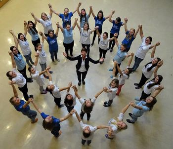 Mladinski pevski zbor šentviške šole ob 10.15 uri V ŽIVO iz Slovaške