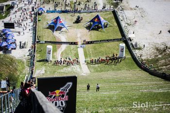 Barbara Trunkelj zmagovalka teka na planiško velikanko
