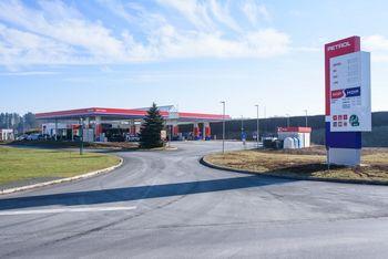 Ivančna Gorica s sodobno prenovljenim bencinskim servisom Petrol