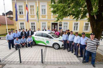 Slovesen prevzem vozila in začetek izvajanja brezplačnih prevozov za starejše - PROSTOFER