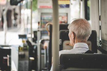 Od prvega julija brezplačni javni medkrajevni potniški promet za vse upokojence