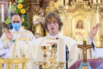 Slovesnost nove maše Mateja Rusa v Šentvidu pri Stični