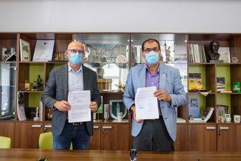 Podpisana pogodba za letno-zimsko vzdrževanje občinskih cest v dolžini 137 km