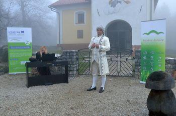 Z glasbo obudili spomine na bogato zgodovino in pomen gradu Podsmreka