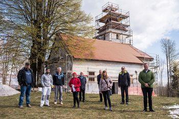 Na vrhu Polževega poteka obnova cerkve sv. Duha