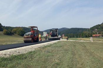 Občina obnovila 700 metrov dotrajane ceste v Temenici