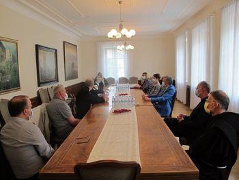 Srečanje z župniki in predstojniki samostanov