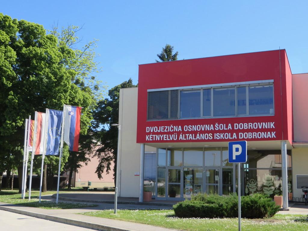 DVOJEZIČNA OSNOVNA ŠOLA DOBROVNIK - KÉTNYELVŰ ÁLTALÁNOS ISKOLA, DOBRONAK