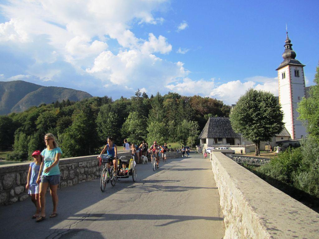 Obnova mostu čez Savo Bohinjko na Ribčevem Lazu