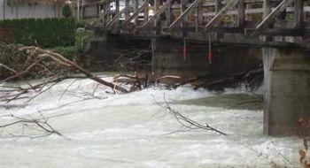 Začasni plovbni režim na Savi Bohinjki – omejitev plovbe pod mostom na Logu