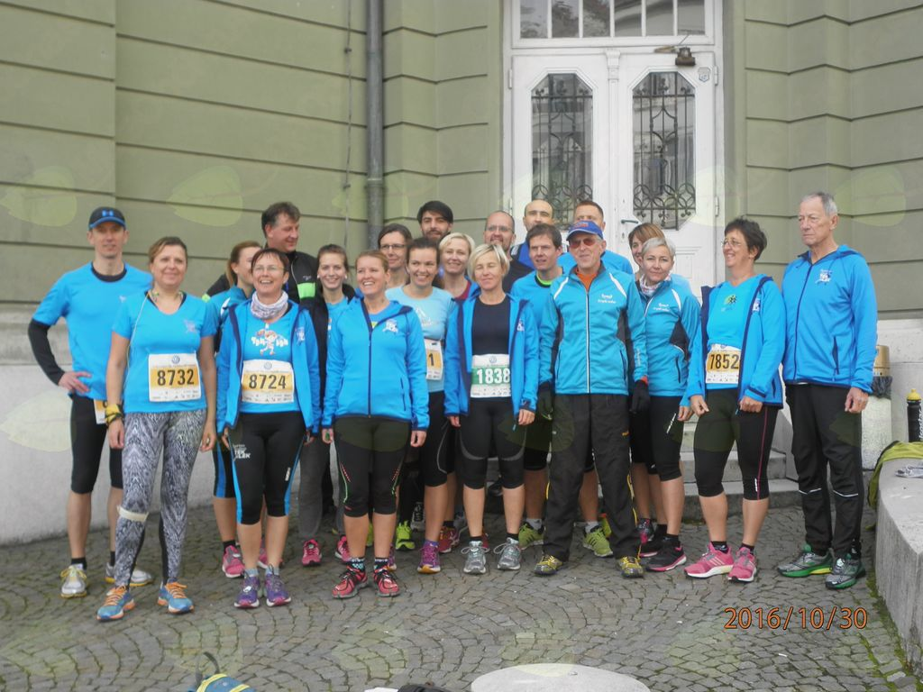 Člani ŠD Tek je lek na Ljubljanskem maratonu