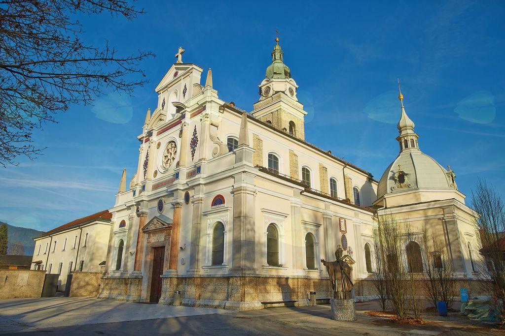 bazilika Marije Pomagaj Brezje