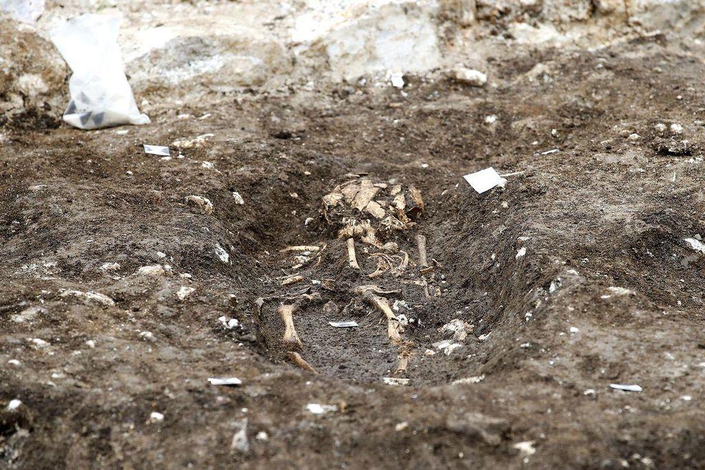 Cerklje - arheološko odkritje ostankov protiturškega obrambnega zidu ter slovanskega grobišča iz 11. stoletja