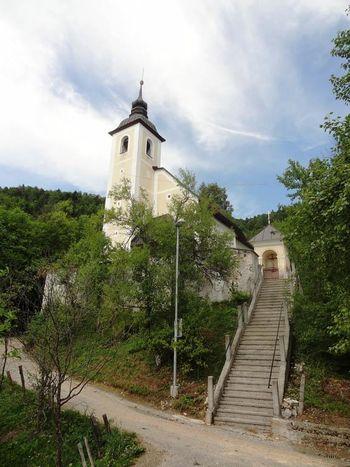 Blagoslov obnovljene strehe na cerkvi v Stiški vasi