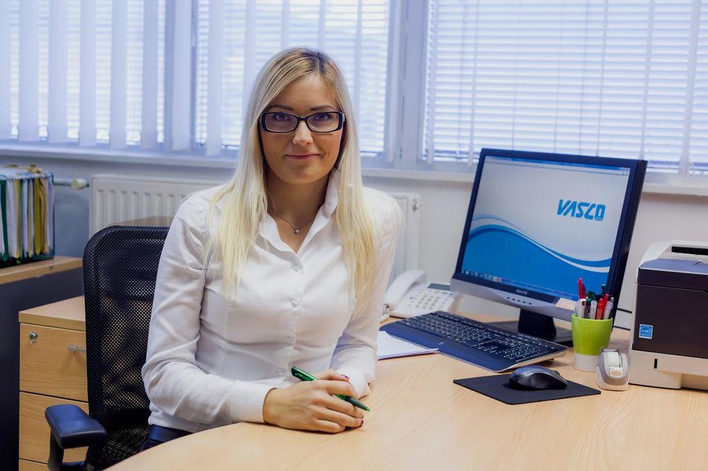 Direktorica Ada Bregar, ki je svoje prve izkušnje v računovodstvu pridobila že leta 2002