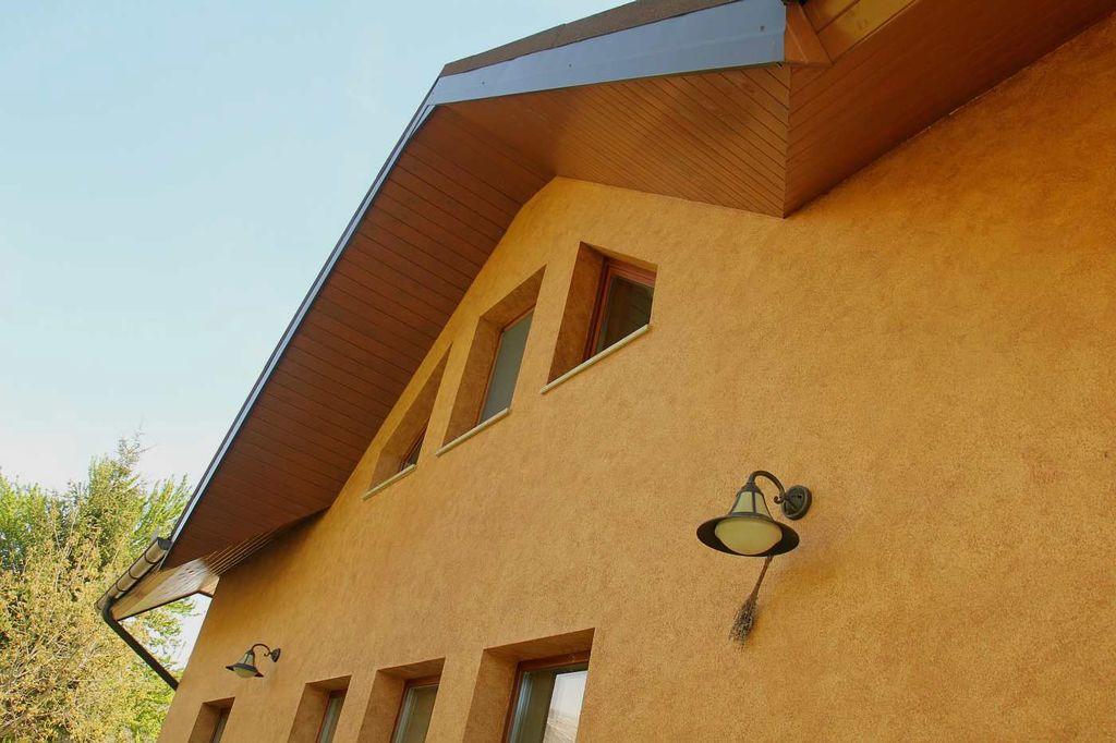 Glajenje fasadnih površin.