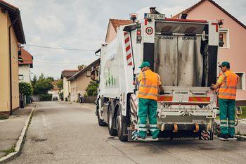 Pravilno ločujemo odpadke in jih odlagamo v zabojnike