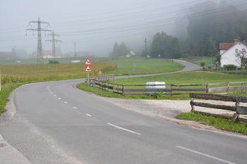 Gradnja komunalne infrastrukture in rekonstrukcija ceste Vikrče - Tacen