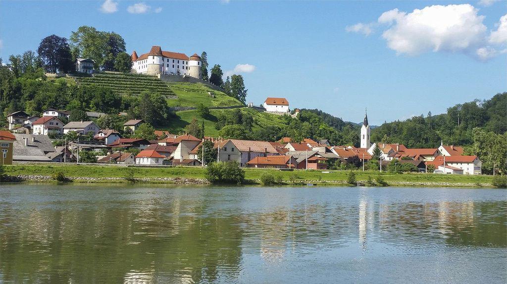 Izlet DU Medvode: Sevnica - Brestanica - Šentrupert