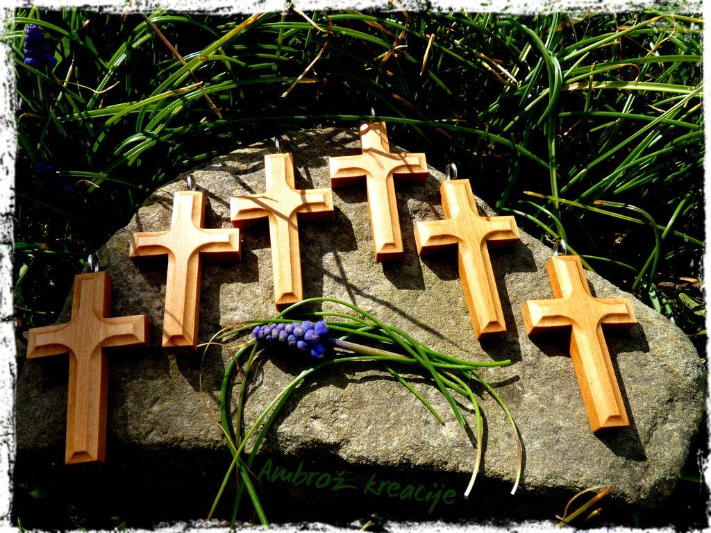 Obeski-križi... v različnih izvedbah