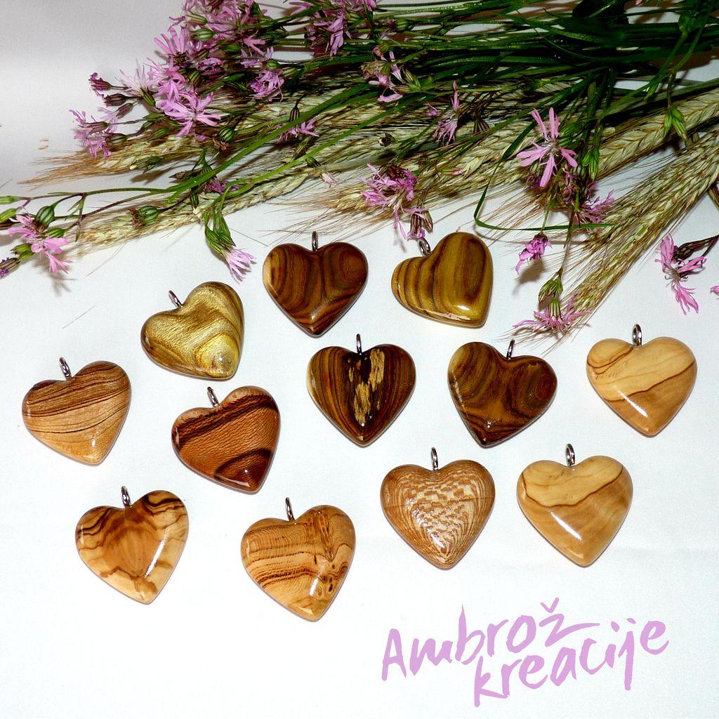 Unikatni leseni nakit (srčki)