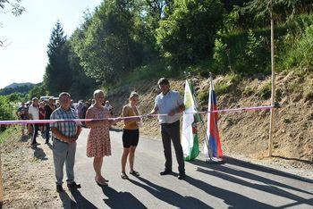 Skupna otvoritev lokalne ceste in javne poti, ki povezujeta občini Brežice in Kozje