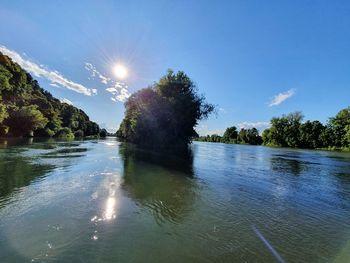 Voda v reki Krki primerna za kopanje