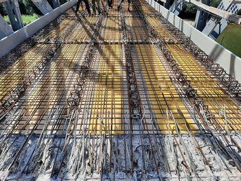 V petek, 30. julija, se začenja betoniranje spodnjega dela (plošče) železnega mostu čez Krko