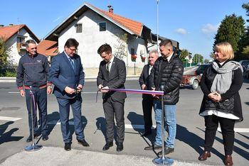 Otvoritev ceste in pločnika na Obrežju ter podpis Sporazuma o sofinanciranju izgradnje 1. etape vzhodne obvoznice Brežic