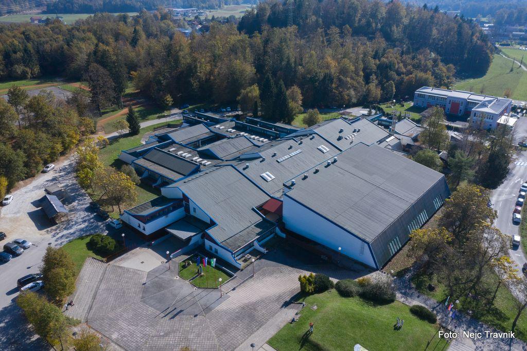 Pogled na šolo iz zraka