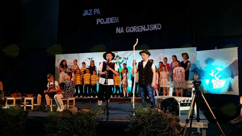 Kekčeva pesem privabila množico v Dolenjo Nemško vas
