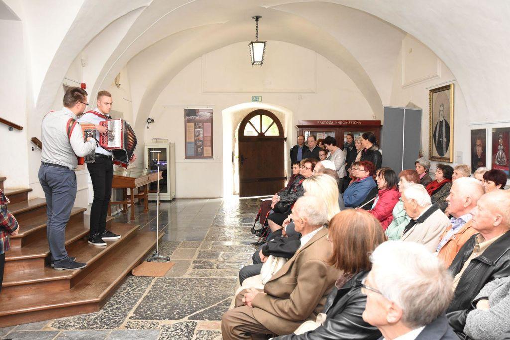 Drugič odprli razstavo Baragovo življenje, vpeto v čipko,  tokrat v Muzeju krščanstva na Slovenskem v Stični