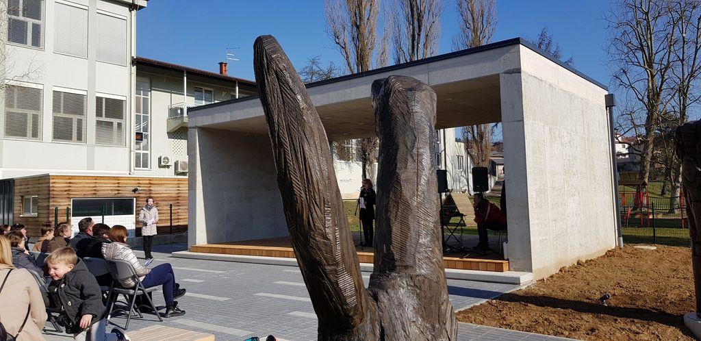 Otvoritev Galerije skulptur na prostem in razširjenih prostorov knjižnice