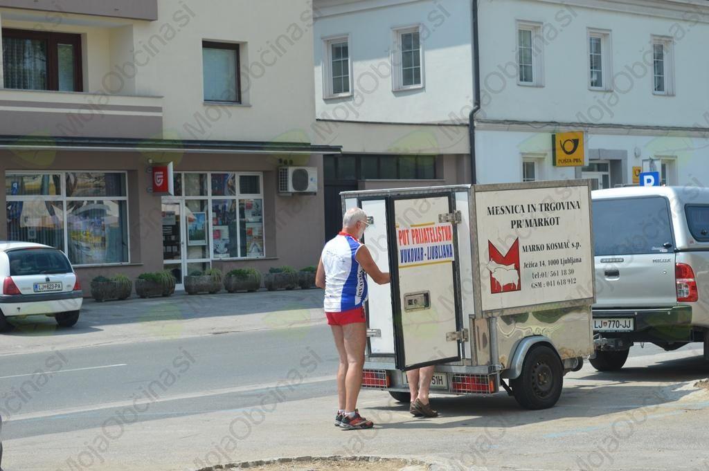 14. kolesarska karavana »Pot prijateljstva Vukovar – Ljubljana« na postanku v Trebnjem