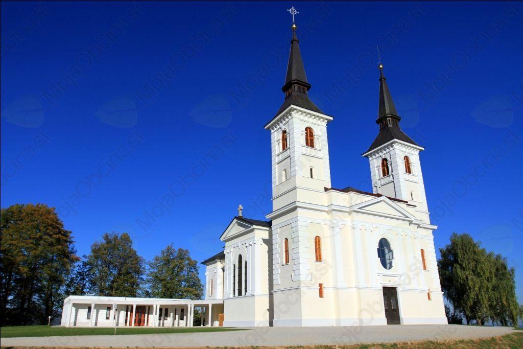 Romska cerkev Matere božje (Avtorske pravice: Samo Kastelic)