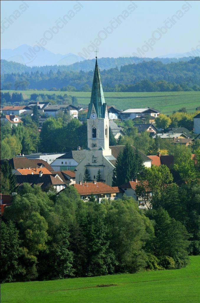 Župnijska cerkev Marijinega vnebovzetja (Avtorske pravice: Samo Kastelic)