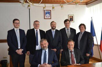 Novo vodstvo podjetja Trimo na predstavitvenem sestanku na Občini Trebnje